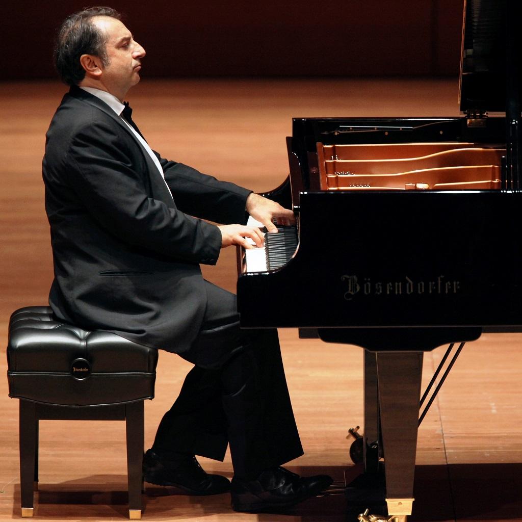 Il pianista Carlo Grante rende omaggio a Roman Vlad foto
