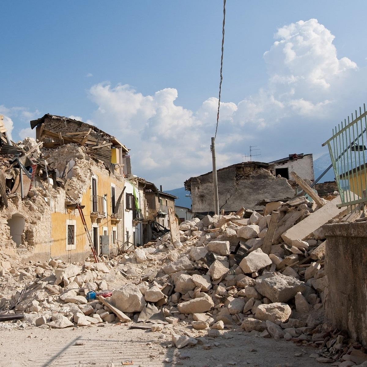 Conferenza ad Ancona sulla ricostruzione foto