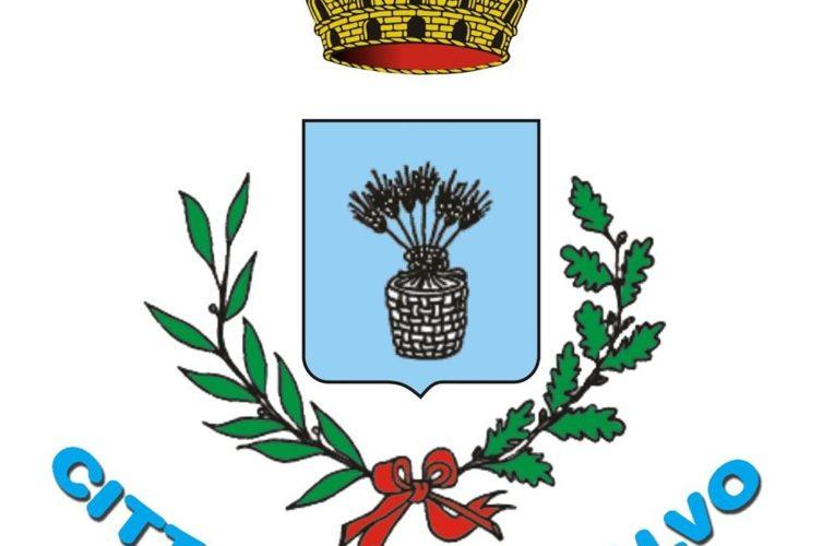 Il blu colora la facciata del Comune di San Salvo