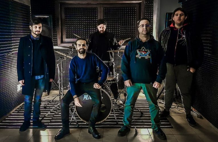 Long Faraway Noise uscito Lifeless il primo singolo