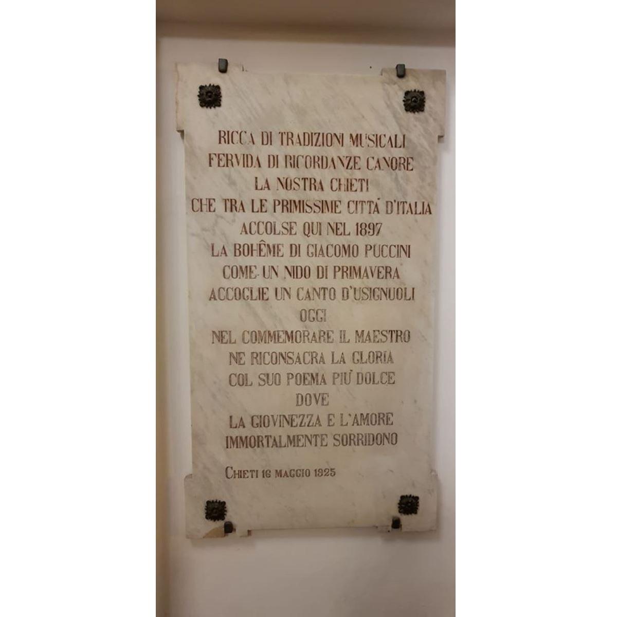 Teatro Marrucino 95 anni fa una lapide per Puccini foto