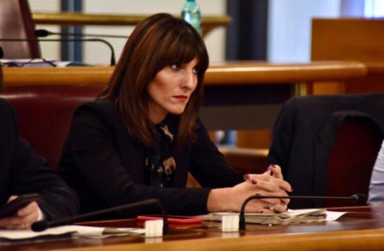 Marianna Scoccia sollecita la riapertura delle scuole