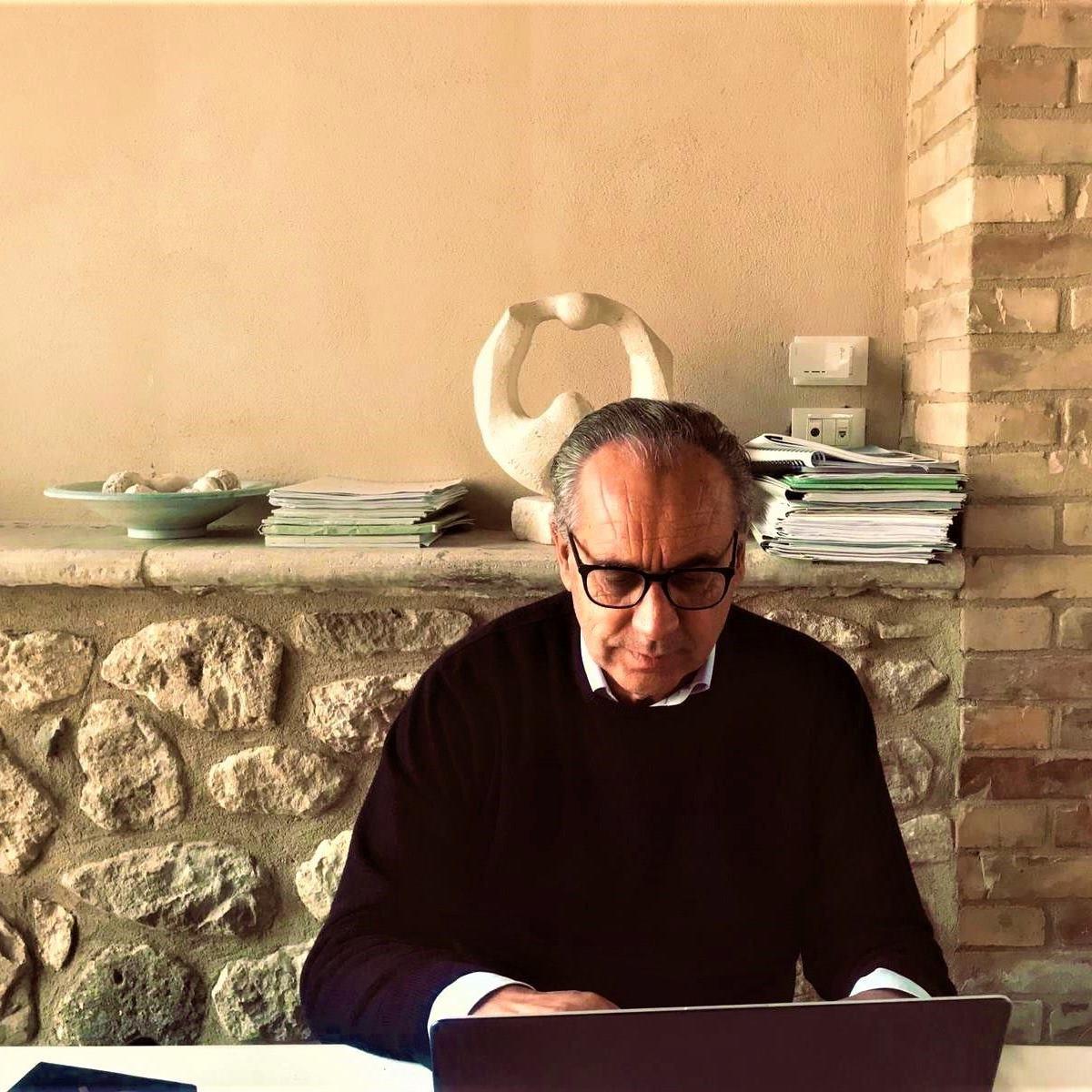 Giovanni Legnini il tampone è risultato positivo foto