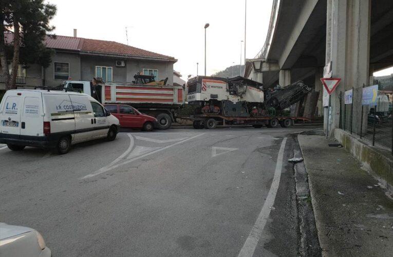 Pescara iniziati lavori manto stradale in via Tirino foto