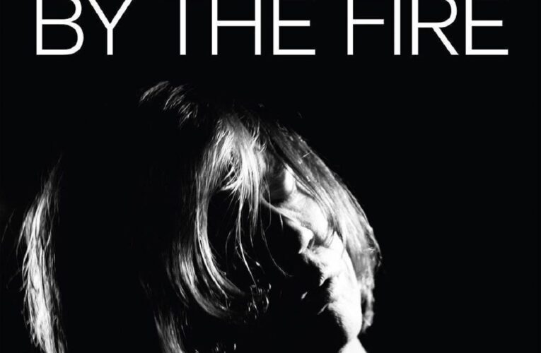 Atmosfere delicate per Thurston Moore in By The Fire