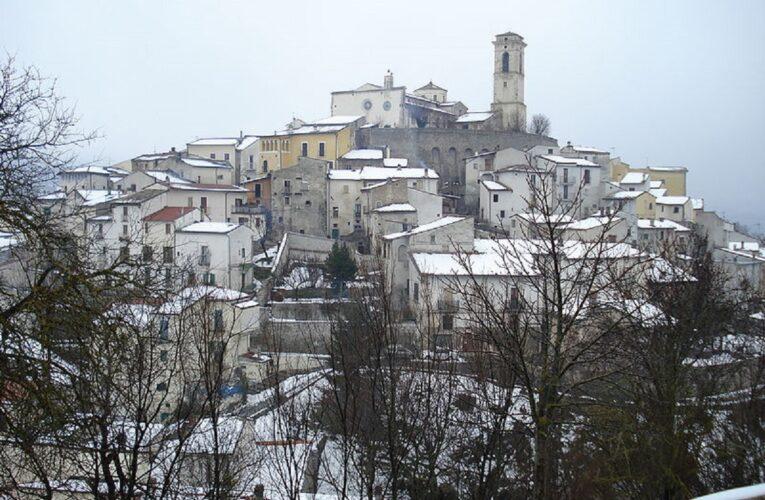 La TERNA taglia i rami delle piante in Goriano Sicoli