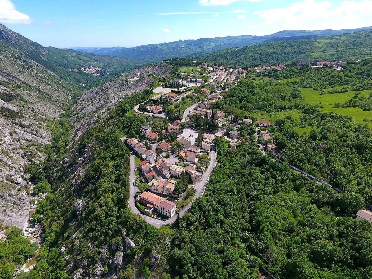 Lettopalena vista dall'alto foto