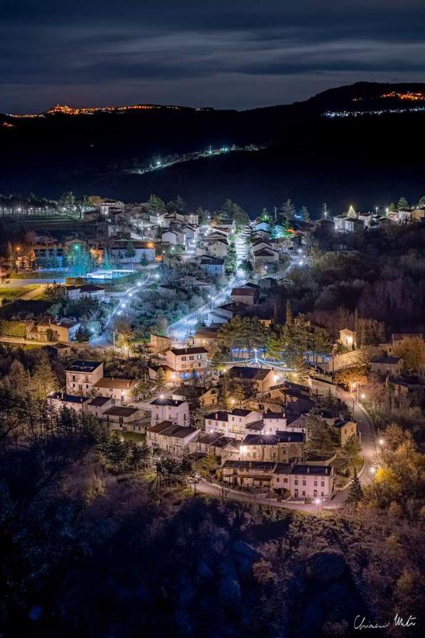 Lettopalena di notte foto