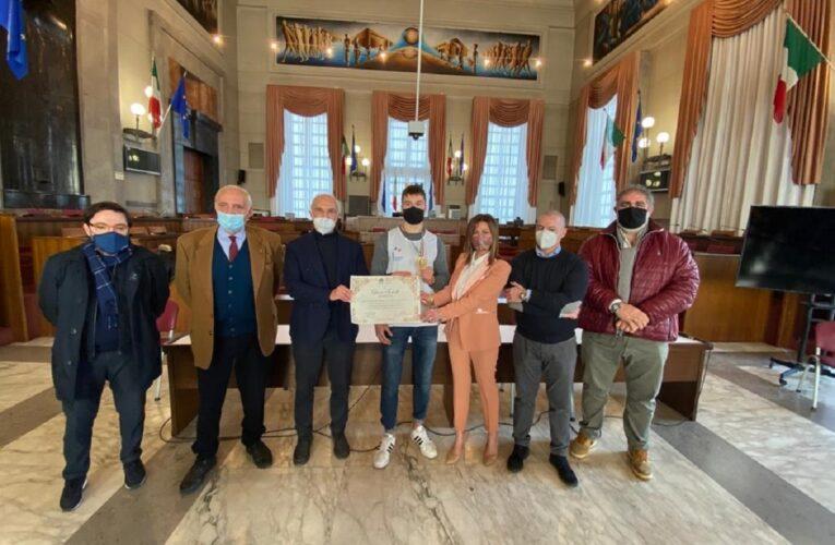 Pescara: premiato il pugile Luca Iovoli