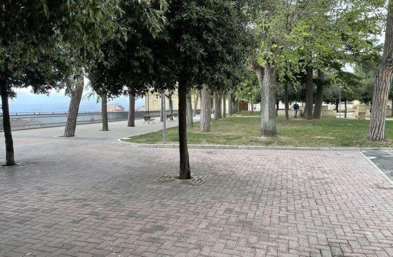 Città Sant'Angelo: nuovo chiosco nel giardino