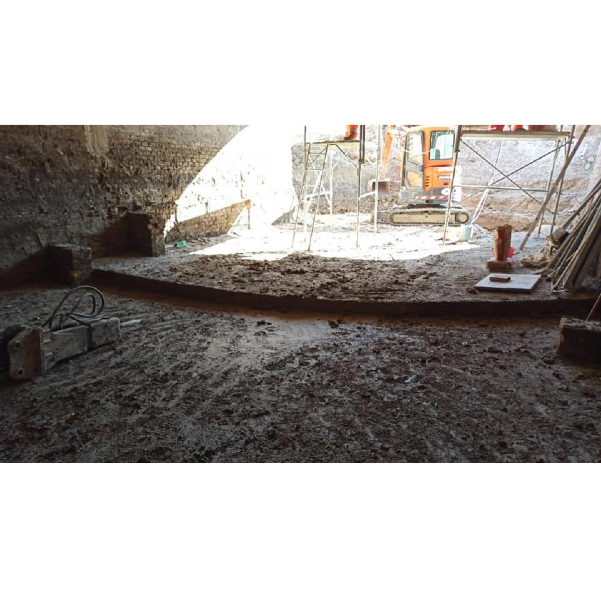 Scoperta pavimentazione originaria bastione San Vitale foto