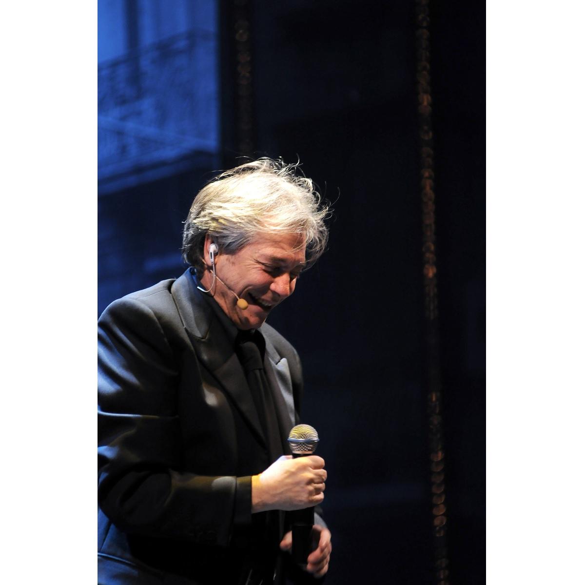 Nino D'Angelo al Teatro Massimo di Pescara 21 novembre 2021 foto